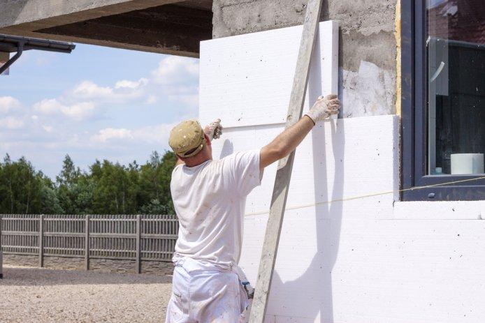 Чем лучше утеплить стены дома